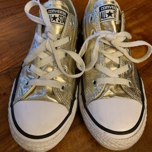 EUC Converse shoes size 2 Gold